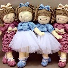 [New] The Best Home Decor (with Pictures) These are the 10 best home decor today. According to home decor experts, the 10 all-time best home decor. Knitted Dolls, Crochet Dolls, Crochet Baby, Knit Crochet, Pop Dolls, Cute Dolls, Crochet Angel Pattern, Crochet Patterns, Waldorf Dolls
