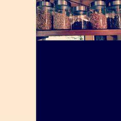 今週末はハーブティづくりのワークショップ です #日本茶 と#ハーブ のコンビネーションを楽しみに来てください  #箕面 #日本茶 #CHAnoMA #Minoo #Matcha #日本酒 #抹茶 #煎茶 #箕面ビール #古本#ブックカフェ#ひなたブック