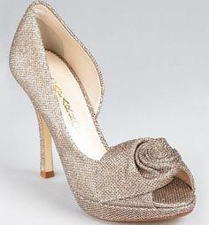 Rock a Romantic Rosette #wedding #shoes