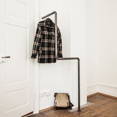 Weekly sales of unseen design and decoration brands at exclusive discounts. Wardrobe Rack, Small Spaces, Short Jackets, Long Coats, Furniture, Alternative, Steel, Design, Home Decor