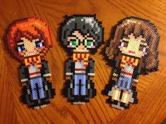 Harry Potter characters perler beads by tmclavell Perler Bead Designs, Perler Bead Templates, Pearler Bead Patterns, Perler Bead Art, Perler Patterns, Pearler Beads, Pixel Art Harry Potter, Harry Potter Perler Beads, Harry Potter Hermione