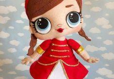 Muñeca lol sorpresa en fieltro con patrones Baby Dress Patterns, Doll Patterns, Crochet Diy, Polymer Clay Dolls, Crochet Doll Pattern, New Year Gifts, Doll Maker, Crochet Slippers, Fairy Dolls