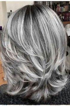 Haare schwarzen strähnen mit graue Verschiedene Beispiele