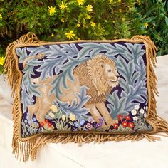 Lion - Beth Russell Needlepoint Needlepoint Pillows, Needlepoint Kits, Needlepoint Canvases, Crochet Pillow Pattern, Forest Design, Bargello, William Morris, Rug Hooking, Textile Art