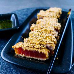 Tuna tataki - Japanese recipe - cherry on the jersey - Fish Recipes Easy Smoothie Recipes, Easy Smoothies, Good Healthy Recipes, Healthy Smoothie, Fish Recipes, Meat Recipes, Snack Recipes, Chicken Recipes, Tuna Tataki