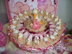 torta di scatoline portaconfetti con cicogne