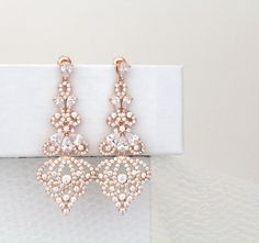 Rose Gold Earrings Chandelier Earrings Bridal Earrings Bridal Jewelry Crystal Wedding Jewelry Swarovski Statement Earrings - I have these beautiful earrings exclusively for treasure from Agnes. Beautiful romantic lines make - Wedding Jewelry And Accessories, Rose Gold Wedding Jewelry, Gold Bridal Earrings, Bridal Jewelry Sets, Rose Gold Earrings, Bridal Necklace, Bridesmaid Earrings, Wedding Earrings, Stud Earrings