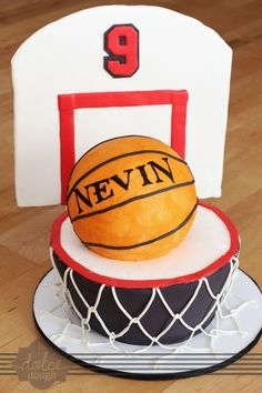 Basketball Cake. Best birthday cake ideas and birthday cake recipes. Best birthday cakes on Pinterest! #47straight #cakes