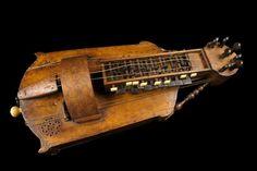 Vielle à roue, Fin XVIIIe siècle érable, métal, ébène, Paris, MuCEM ...