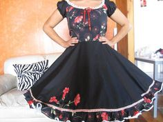 Fashion Designers Names, Clogs Outfit, Dance Dresses, Fashion Outfits, Chile, How To Wear, Sewing, Blue, Models