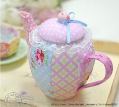 Trendy Ideas For Patchwork Cozinha Bule Sewing Art, Sewing Crafts, Sewing Projects, Crafts To Sell, Diy And Crafts, Softie Pattern, Free Pattern, Tea Cozy, Teapots And Cups
