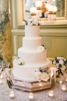 Wedding cake idea; Featured Photographer: Photography Du Jour