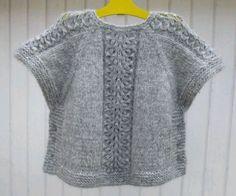 Diy Crafts - Ravelry: Ea's Poncho Pattern by Flora Design Knit Vest Pattern, Poncho Knitting Patterns, Crochet Poncho, Diy Crafts Knitting, Knitting For Kids, Free Knitting, Girls Knitted Dress, Knit Fashion, Sweaters For Women