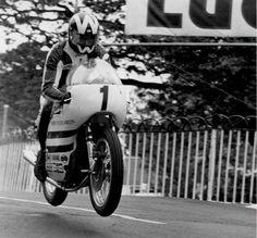 "machoturbo: "" - nice to have my supersport back "" Motorbike Racers, Racing Motorcycles, Vintage Motorcycles, Norton Cafe Racer, Push Bikes, Classic Motors, Supersport, Isle Of Man, Steve Mcqueen"