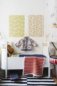 Inspiration ~ polka dots  Barnkammare barnsäng kläder mattor