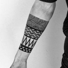 new zealand maori tattoos arm bands Hand Tattoos, Forearm Band Tattoos, Forarm Tattoos, Top Tattoos, Badass Tattoos, Body Art Tattoos, Tribal Tattoos, Tattoos For Guys, Maori Tattoos