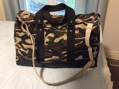 Sac Boston camouflage cousu par Crazy Bag Lady - Patron sac weekend Sacôtin