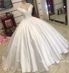 White Satin/silk Wedding Dress - White Wedding Dress - Wedding Dress - White Ballgown Art Deco Wedding Dress, Unique Wedding Gowns, White Wedding Gowns, Perfect Wedding Dress, Ballgown Wedding Dress, Wedding Veils, Designer Wedding Dresses, Bridal Dresses, Unique Weddings