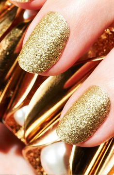 Gold Glitter Nails ❤ #nails #glitter #nailart #Beautyinthebag
