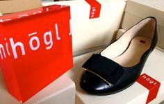 HÖGL Schuhe in Übergrößen - bei www.schuhplus.com - Große Damenschuhe - schuhplus - Schuhe in Übergrößen - ist ein in Europa führendes Versandhaus für große Schuhe. Ob Damenschuhe in den Größen 42 bis 46 oder Herrenschuhe in den Größen 46 bis 52: Bei www.schuhplus.com warten tausende Modelle nur darauf, entdeckt zu werden. Alles, was es im Internet zu sehen und bestellt gibt, kann auch in 27313 Dörverden bei Bremen live und in Farbe bestaunt und nach Herzenslust ausprobiert werden.