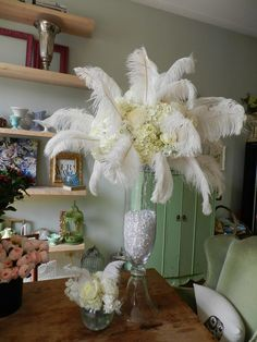 How's this for a 1920's inspired centerpiece? Do you like it?