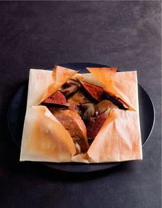 Foie gras en papillotes aux figues et cèpes par Alain Ducasse Alain Ducasse, Foie Gras, Second Breakfast, The Hobbit, Food Art, Food Photography, Food Time, Fish, Tableware