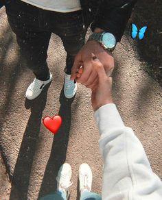 Cute Couple Selfies, Cute Couple Poses, Couple Photoshoot Poses, Cute Couples Goals, Cute Anime Couples, Romantic Couples Photography, Couple Photography Poses, Girl Photography Poses, Love Couple Photo