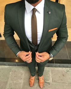 Check out this perfectly tailored custom olive green suit. An amazing combination when paired with brown men's loafers and a white shirt! Have your very own suit custom made from Giorgenti New York! Costume Vert, Mode Costume, Mens Fashion Suits, Mens Suits, Fashion Fashion, Fashion Guide, Mens Custom Suits, Fashion Outlet, Fashion Sites