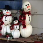 25 Cutest Outdoor Snowmen Decoration for This Winter Get inspired with our cutest outdoor decoration snowmen to make a wonderful decoration for the holidays. Pumpkin Snowmen, Christmas Pumpkins, Christmas Porch, Outdoor Christmas, Christmas Crafts, Christmas Ideas, Holiday Ideas, Pumpkin Art, Christmas 2019