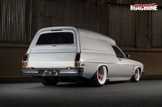 Doorslammer driver Stuart Bishop gives a Holden HJ van from the glory days a new lease on life Australian Muscle Cars, Aussie Muscle Cars, Holden Kingswood, Holden Monaro, Holden Australia, Vans Bags, Custom Muscle Cars, Holden Commodore, T Max