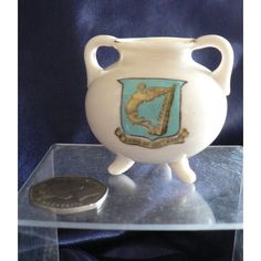 Goss Crested China - Ancient Pipkin Found At Southampton - Arms Of Ireland Crest