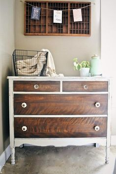 Relooking de meubles Relooking de meubles avec la peinture ou la patine