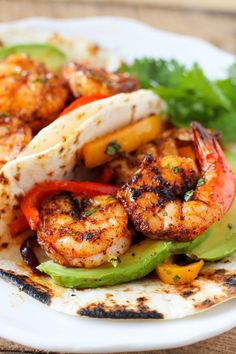One Sheet Pan Shrimp Fajitas - tender juicy shrimp with roasted bell pepper and onion served in a soft warm tortilla. One Sheet Pan Shrimp Fajitas - tender juicy shrimp with roasted bell pepper and on Shrimp Recipes For Dinner, Seafood Recipes, Mexican Food Recipes, Cooking Recipes, Healthy Recipes, Healthy Meals, Easy Meals, Shrimp Fajita Recipe, Shrimp Fajitas