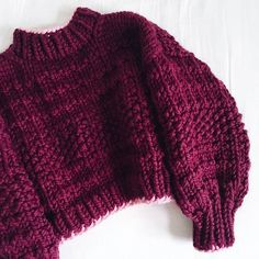 Hand knitted One size natural Peruvian highland wool - a renewable and biodegradeable fibre, sourced responsibly from family-run farms. Knitting Designs, Crochet Designs, Knitting Patterns, Knit Fashion, Look Fashion, Fashion Outfits, Crochet Clothes, Diy Clothes, Crochet Cardigan