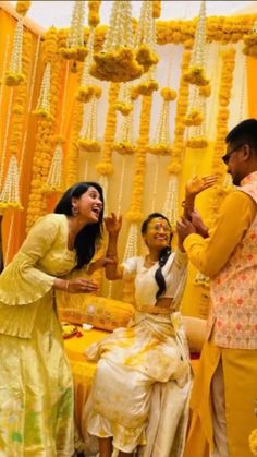 Desi Wedding Decor, Outdoor Wedding Decorations, Wedding Crafts, Wedding Dance Video, Indian Wedding Video, Indian Wedding Theme, Mehndi Decor, Mehendi, Indian Wedding Photography Poses
