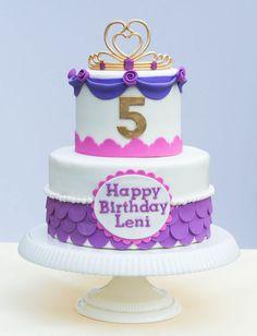 pink and purple princess cake | Pink and purple princess cake with edible tiara.