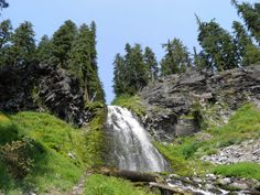 Plaikni Falls Located near Crater Lake, Plaikni Falls Trail is a gorgeous hidden gem waterfall in Southern Oregon. An easy two-mile walk on this trail will bring you to a graceful waterfall that pours into a picturesque meadow that's dotted with wildflowers at certain times of year.