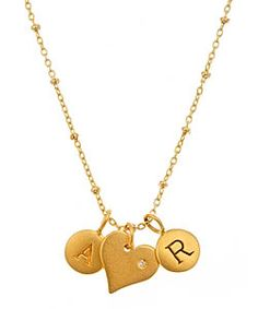 Lovely, isn't it? This would be perfect if you had your initial on one heart and your love's initial on the other <3