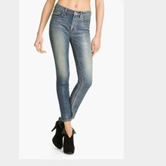 Marc Jacobs Vintage Pearls Jeans New with tags beautiful Marc Jacobs jeans in size 25 ;) Marc by Marc Jacobs Jeans Skinny