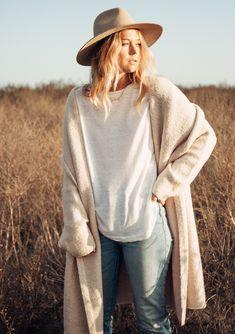 May 2020 - Rated Boho Cardigan Girls Fall Fashion, Autumn Winter Fashion, Boho Fashion, Fashion Trends, Trendy Outfits, Fall Outfits, Cute Outfits, Sweater Coats, Sweaters