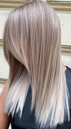 We're entering into a new season, a season of lovely warm weather. When it comes to new season, new wardrobe and your new look. Fall Blonde Hair Color, Blonde Hair Looks, Brown Blonde Hair, Cool Hair Color, Summer Hair Colour, Hair Colors For Fall, Beige Hair Color, Blonde Asian Hair, Red Hair