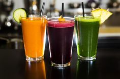 A year ago, trendistas were snuggling up to juice bars all over L. to cleanse, reset, detox and glow a little. Today, things are only busier in the world of juice — and I don't mean Minute Maid. Juicing just won't go away. Smoothies, Detox Juice Cleanse, Cucumber Juice, Juicing Benefits, Carrot And Ginger, Juice Fast, Juice 2, Fruit Juice, Cold Pressed Juice
