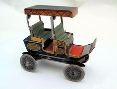 """Il favoloso mondo di carta di Totò: Collection """"Bolides d'autrefois"""" n° 21.  Model of Heavy Surrey 1901."""