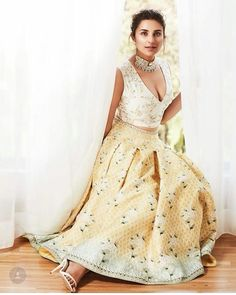 Parineeti Chopra, Femina Wedding Times, Anniversary on Pantone Canvas Gallery Bollywood Images, Bollywood Fashion, Bollywood Actress, Anushka Sharma, Priyanka Chopra, Kareena Kapoor, Hot Actresses, Indian Actresses, Beautiful Actresses