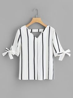 Shop V Neckline Knot Cuff Striped Blouse online. SHEIN offers V Neckline Knot Cuff Striped Blouse & more to fit your fashionable needs. Trend Fashion, Fashion News, Fashion Outfits, Fashion Black, Womens Fashion, Vetement Fashion, Blouse Online, Plus Size Blouses, Blouse Designs
