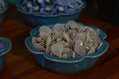 Capriche nas forminhas de doces para acrescentar na decoração. O @ateliehart tem muitas cores e formatos de qualidade e com precinho muito justo.  Orçamentos:  ateliehart@gmail.com no telefone (31) 99291-2369 ou no instagram @ateliehart  #ateliêhart #guiaceub #ceub #casaréumbarato #casamento #wedding #doces #forminhadedoces #docesdecasamento #formas #forminhas #delícia #bemcasado #embalagens #embalagenspersonalizadas #forminhapersonalizada