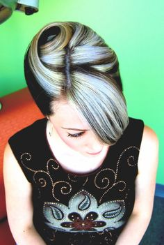 brown blonde retro vintage #rockabilly hairstyle
