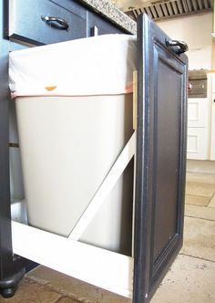 diy pullout trashcan, diy, kitchen cabinets, woodworking projects