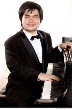 Nobuyuki Tsujii (born September 13, 1988) is a Japanese pianist and composer who shared the First Prize at the Thirteenth Van Cliburn International Piano Competition in 2009 in a tie with co-winner Haochen Zhang of China  - plays a fantastic CHOPIN OP 10