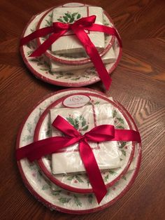 Lenox Holly Christmas C.R. Gibson 112 Pc Set Paper Plates Napkins Dinner Guests : lenox paper plates - pezcame.com